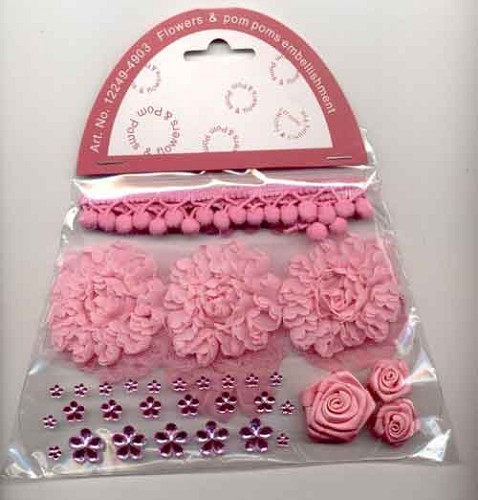 Flowers en PomPoms embellishment - Roze